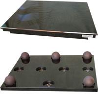 Gingko - Cloud 11 Amp Stand (18x16)/ Black